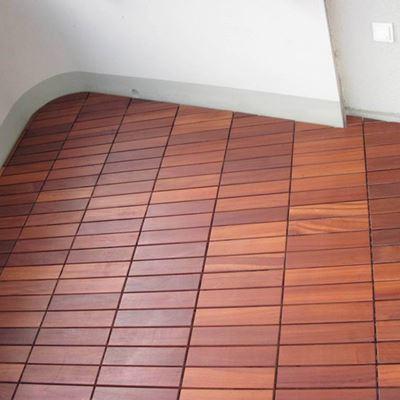 holzfliesen gnstig amazing holzfliesen fr balkon runnen. Black Bedroom Furniture Sets. Home Design Ideas