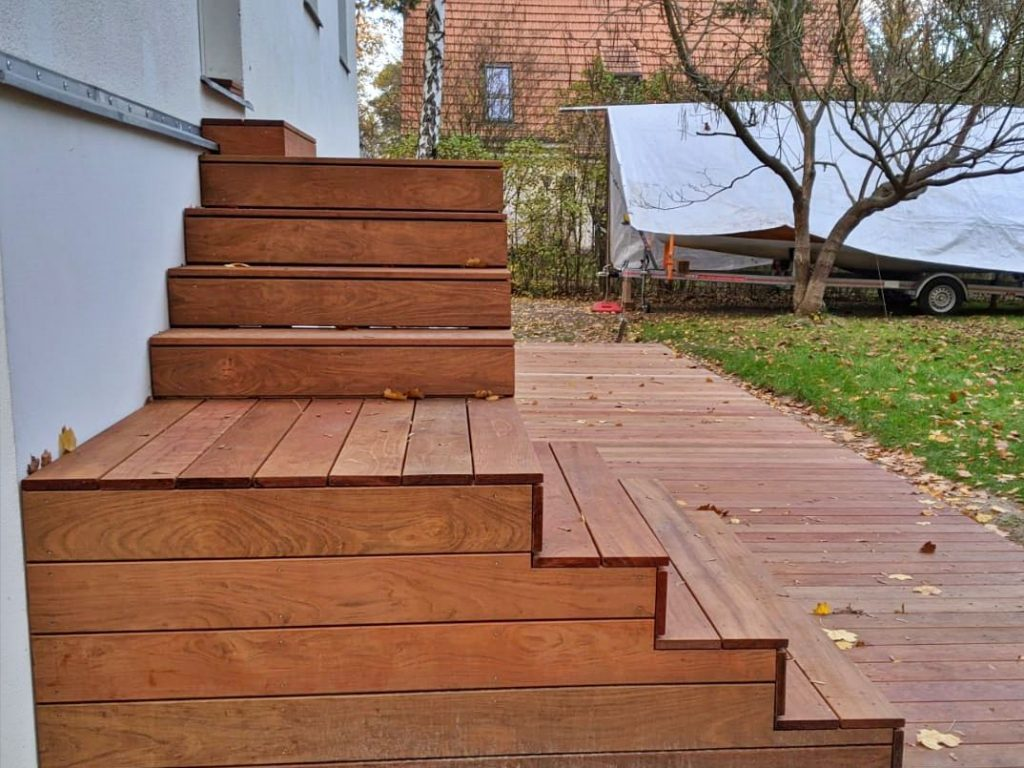 Treppe aus Holz für die Terrasse bauen   Bauanleitung