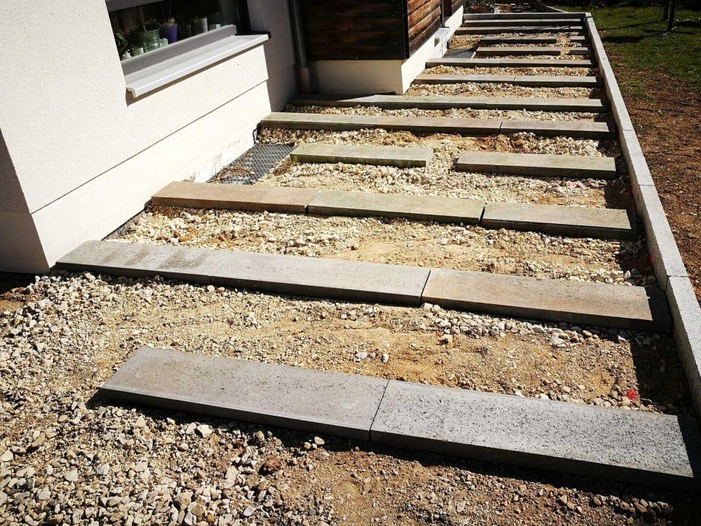 Auf welchen Untergrund wird eine Holzterrasse verlegt